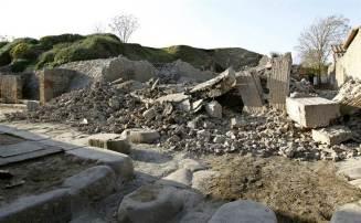 Pompeii crumbles away