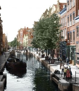 A Rotterdam canal in 1904. Note the narrowboat on the left, just chillaxin'