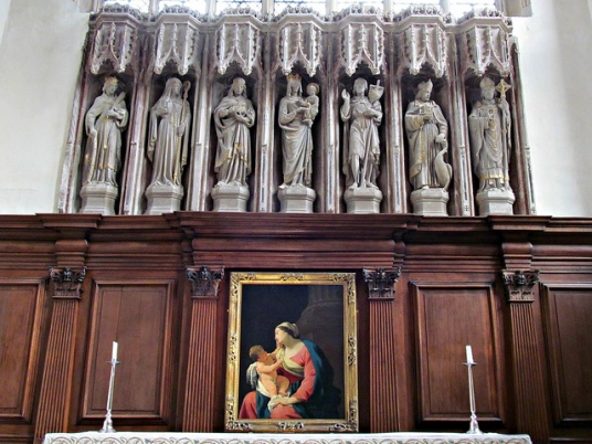 altar statues